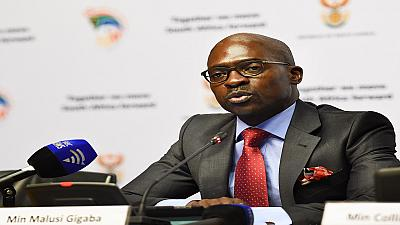 SA finance minister seeks to reassure markets after credit rating downgrade