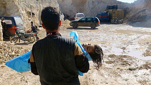 """""""İdlib'deki saldırıda 100'den fazla kişi öldü"""""""