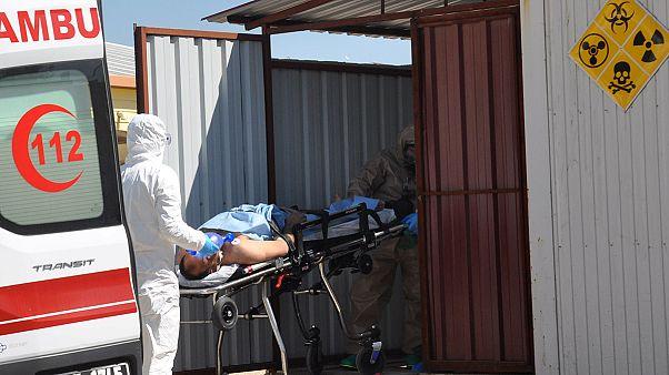 Σε διαρροή χημικών αερίων αποδίδει η Μόσχα την τραγωδία στην Ιντλίμπ