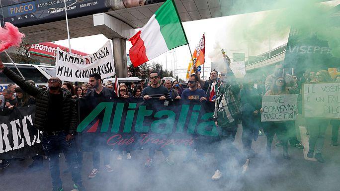 Alitalia çalışanları greve gitti