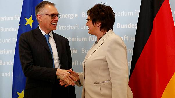 German economy minister seeks Opel jobs pledge from Peugeot Citroen