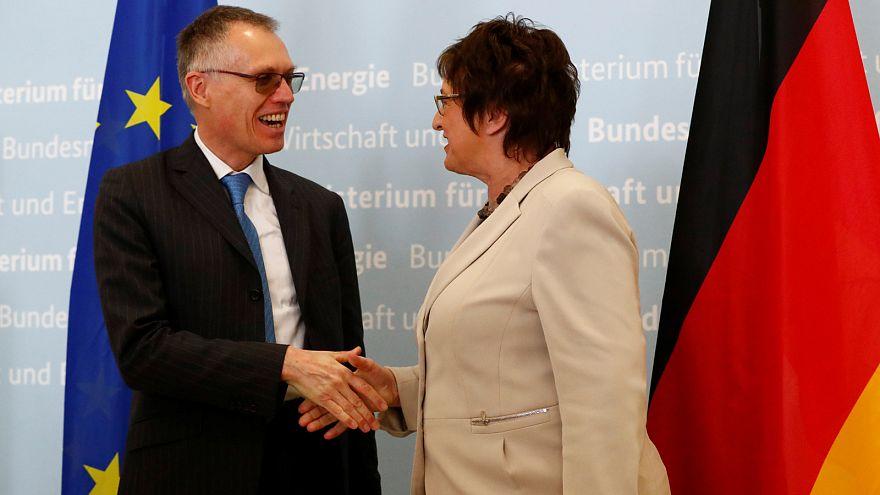 دیدار مدیرعامل گروه خودروسازی پژو سیتروئن با وزیر اقتصاد آلمان