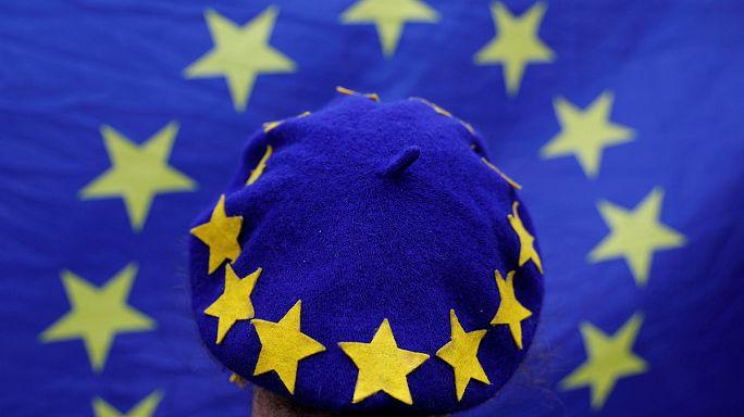 """""""Breves de Bruxelas"""": Orban, Brexit e Grécia em destaque"""