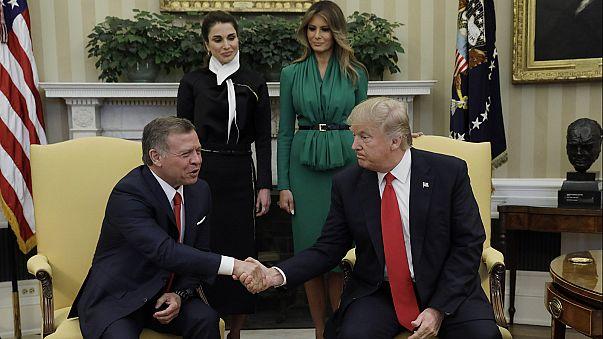 Rei da Jordânia elogia compromisso de Trump com a paz no Médio Oriente