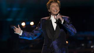 After decades of secrecy, Barry Manilow speaks openly about his sexuality