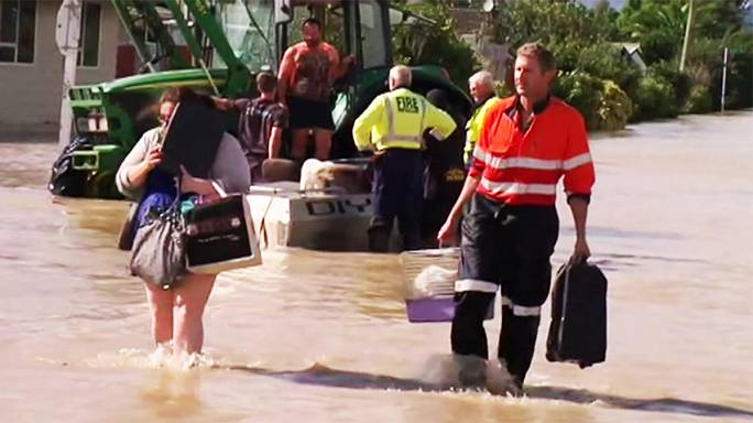 """Nachwirkungen von """"Debbie"""": Tausende fliehen vor Fluten"""