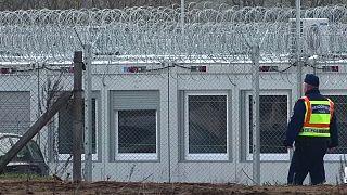 Венгерские лагеря для беженцев тюремного типа вызвали критику правозащитников