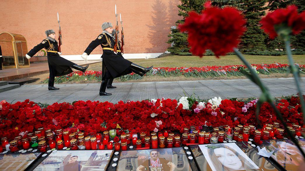Russie : jour de deuil et de funérailles après l'attentat de St-Pétersbourg