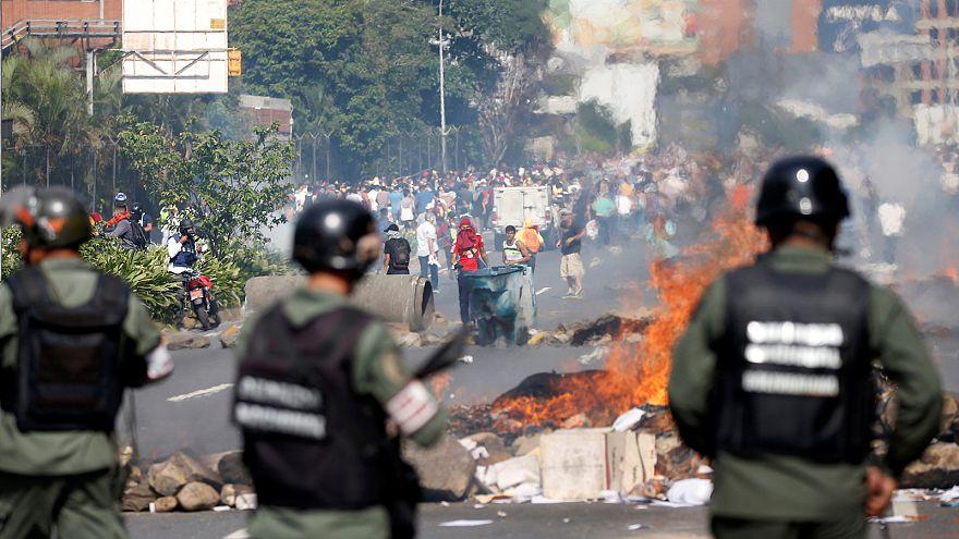 Tensions au Venezuela : les manifestations pro et anti gouvernements se poursuivent