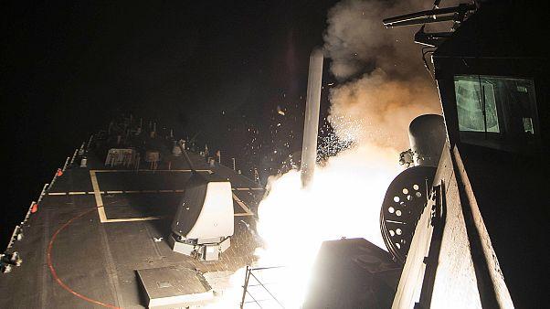 ABD Suriye'yi füzelerle vurdu