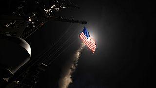 EE. UU. lanza decenas de misiles contra una base aérea siria