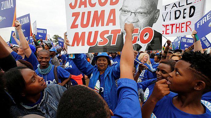 Güney Afrika'da Devlet Başkanı Zuma karşıtları sokaktaydı