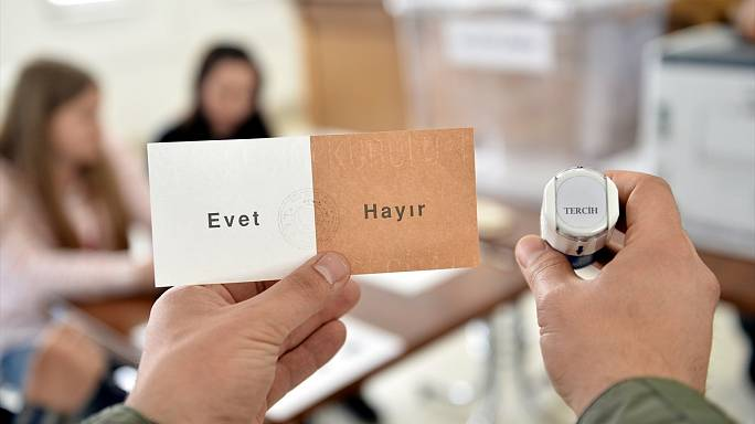 A week to go: Turkish expatriates cast referendum vote