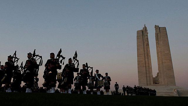 Battaglia di Vimy Ridge: l'esercito canadese rende omaggio ai soldati caduti