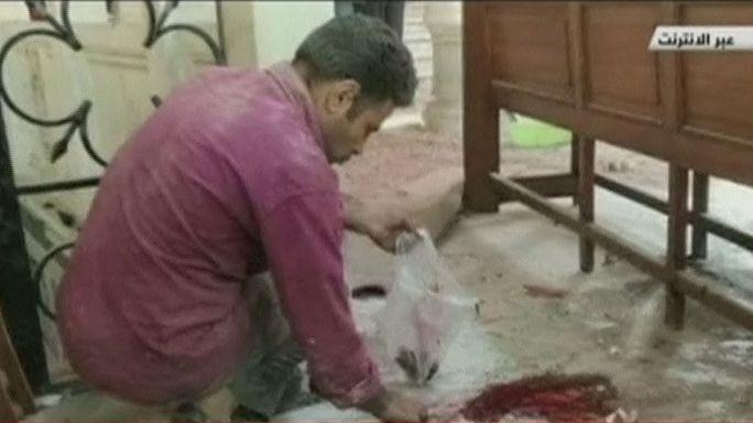 Egipto: Casi una treintena de muertos en un doble atentado contra iglesias coptas