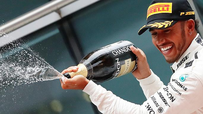 Hamilton gewinnt China-Grand-Prix