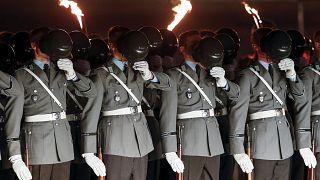 Hitlergruß und Hetze: Mehr als 200 rechtsextreme Vorfälle bei der deutschen Bundeswehr