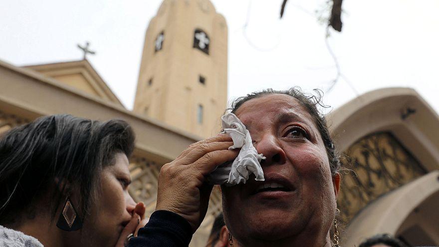El Cairo: de muertos en un doble atentado contra iglesias coptas