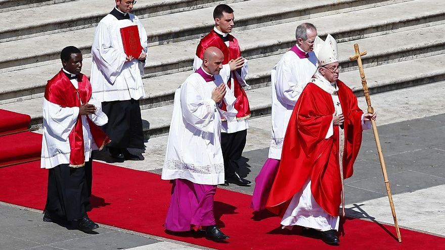 A világ szenvedéséről szólt virágvasárnapi szentbeszédében a pápa