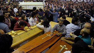 Trauer in Ägypten: Kopten tragen Opfer der Anschläge vom Palmsonntag zu Grabe