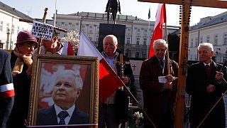 Polonya'da Smolensk uçak kazasının 7'nci yıl dönümü için anma töreni
