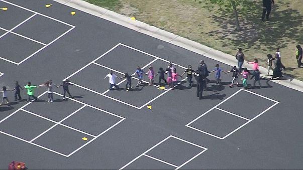 USA: gunman kills woman and himself at San Bernardino school