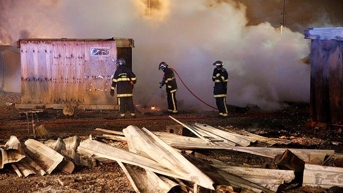 На півночі Франції згорів табір нелегальних мігрантів