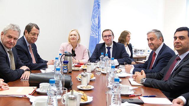 Κυπριακό: Στις 20 Απριλίου νέα συνάντηση Αναστασιάδη - Ακιντζί
