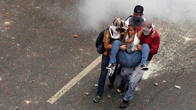 احتجاجات في ظل وضع سياسي واقتصادي متأزم في فنزويلا