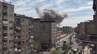Schwere Explosion In der südosttürkischen Stadt Diyarbakirfordert ein Todesopfer