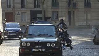 Tom Cruise inseguito per le strade di Parigi