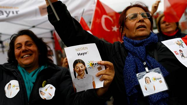 Turkey-EU relations reaching a 'crossroads'