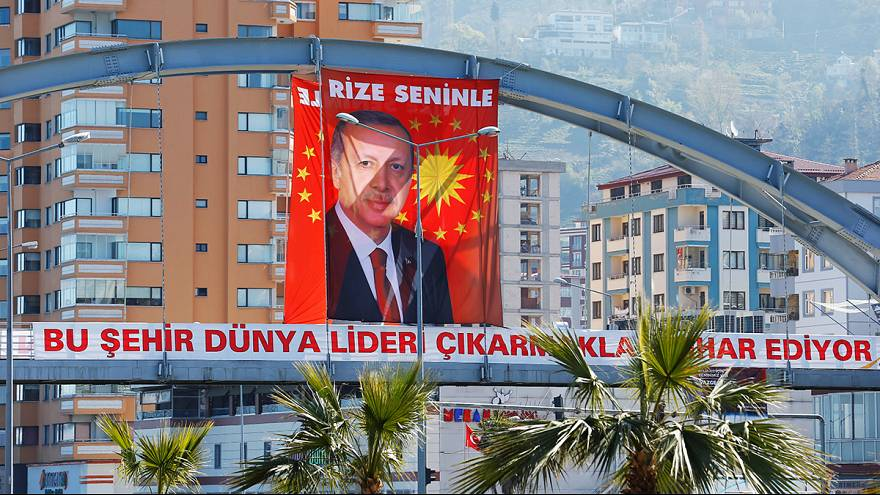 Turkey days away from controversial constitutional referendum