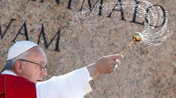 Pope opens 'beautiful launderette' for Rome's homeless