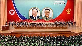 Kim Jong Un besucht Parlamentssitzung