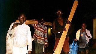 """En Ouganda, des enfants """"préfèrent la guerre"""" à la paix"""