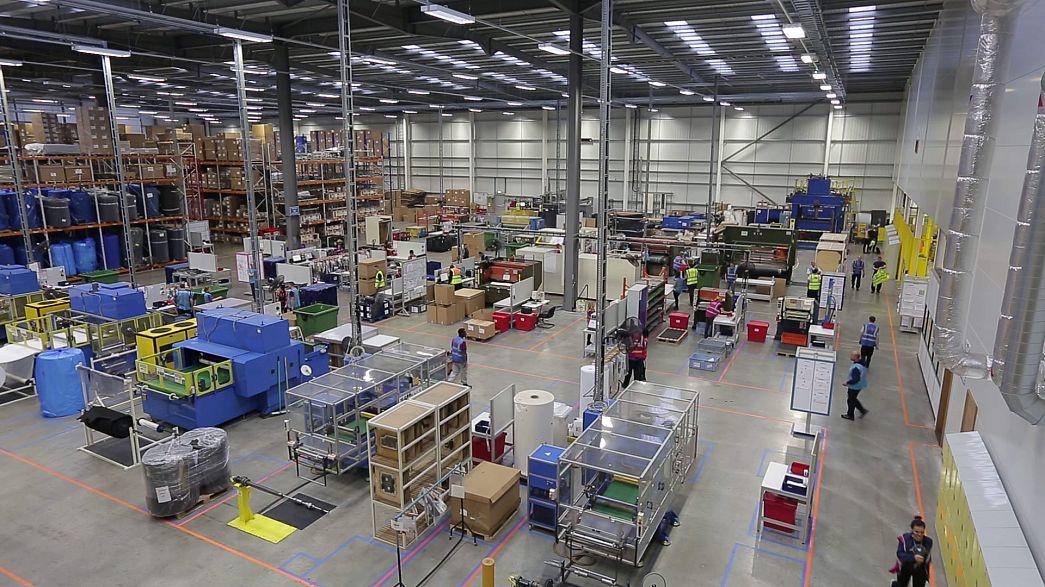 کاهش رشد دستمزدها در بریتانیا