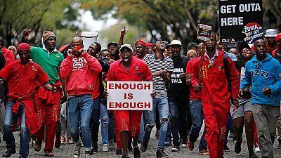 Le débat sur la motion de défiance contre le président Zuma enflamme le Parlement sud-africain