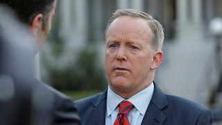 Bocsánatot kért a Fehér Ház szóvivője