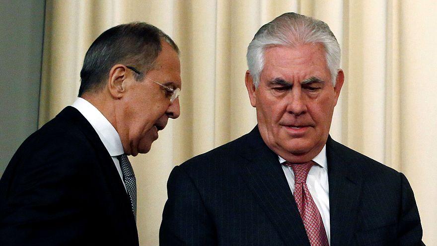 EUA e Rússia prometem melhorar relações mas diferendo sobre Síria persiste