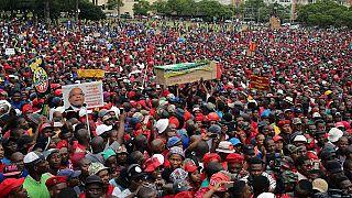 L'opposition sud-africaine se rassemble à Pretoria pour exiger le départ de Zuma [no comment]