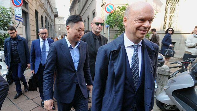 Milan, si chiude l'era Berlusconi: ufficiale la cessione del club al cinese Li Yonghong