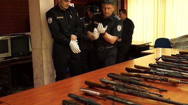 الإنتربول يطلق عملية لمكافحة تهريب السلاح من منطقة البلقان
