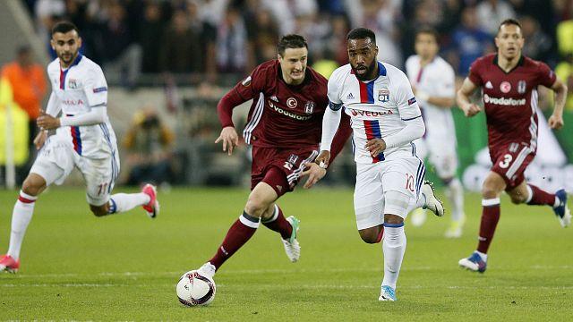 UEFA Europa League: Ausschreitungen vor Lyon gegen Besiktas - Schalke vor dem Aus