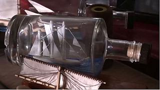Égypte: un artiste capture l'histoire nautique dans des bouteilles en verre