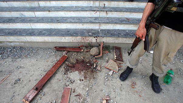 مقتل طالب جامعي على يد زملائه بسبب الإساءة للدين في باكستان