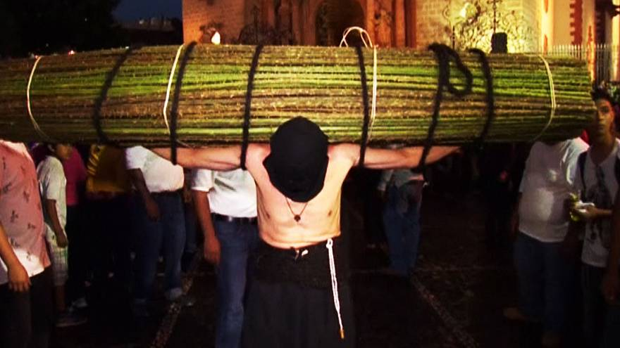 Taxco faithful start Holy Week with flagellation