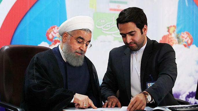 حسن روحاني وإبراهيم رئيسي في منافسة الرئاسة في إيران