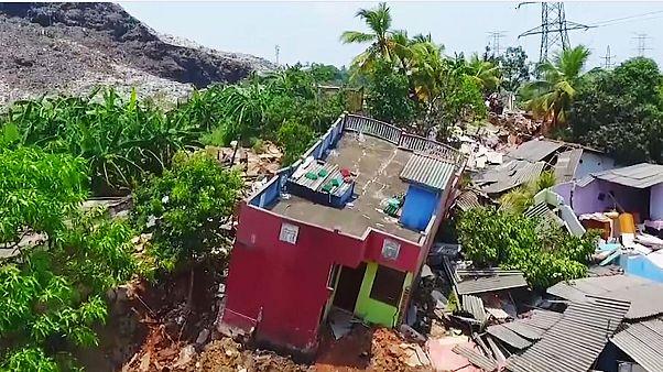انهيار جبل نفايات يودي بحياة 15 شخصا في سريلانكا