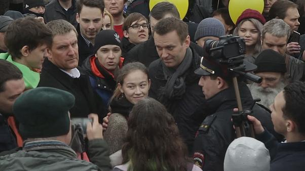Kremlin critic Navalny opens presidential campaign office